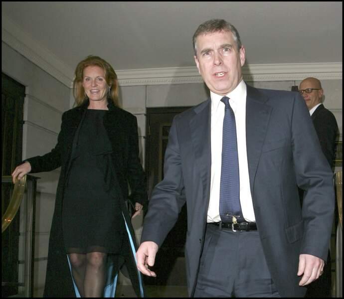 Sarah Ferguson et le prince Andrew, à la sortie d'un restaurant, en janvier 2007.