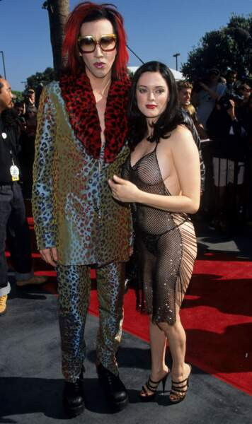 La robe crochet de Rose Mcgowan