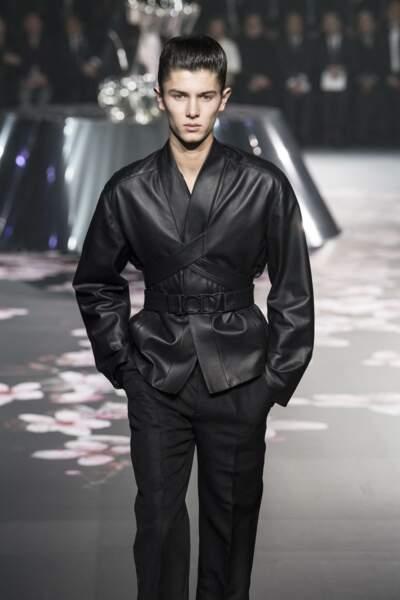 Le prince Nikolai de Danemark, lors d'un défilé de mode Dior Homme, à Tokyo, le 30 novembre 2018.
