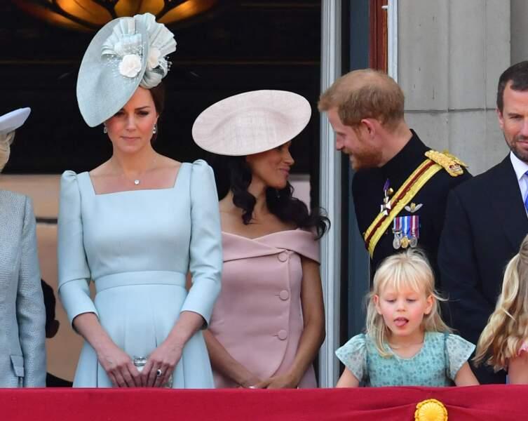 Kate Middleton s'affichait au premier plan tandis que Meghan Markle restait en retrait.