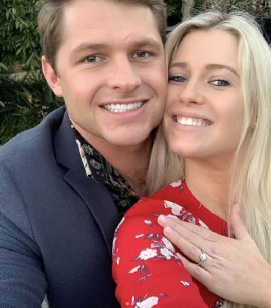 Lady Amelia Spencer et Greg Mallet se sont fiancés en juillet 2020. La nièce de Lady Diana arbore une sublime bague de fiançailles.
