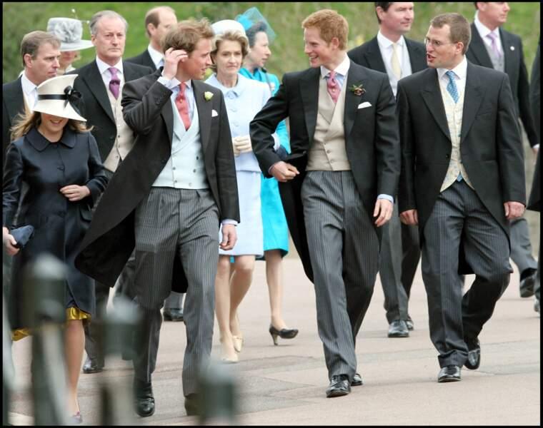 En 2005, Harry et William assistent avec joie au mariage de leur père, le prince Charles, avec Camilla Parker Bowles. Une belle-mère qu'ils ont appris à accepter et aimer.