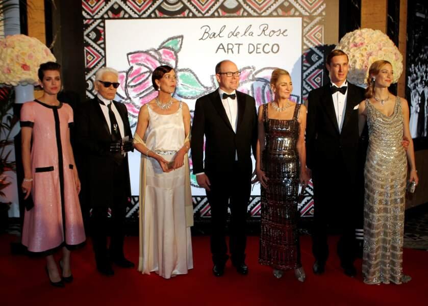 Pierre Casiraghi et Beatrice Borroméo avec toute la famille princière et Karl Lagerfeld lors du Bal de la rose 2015.