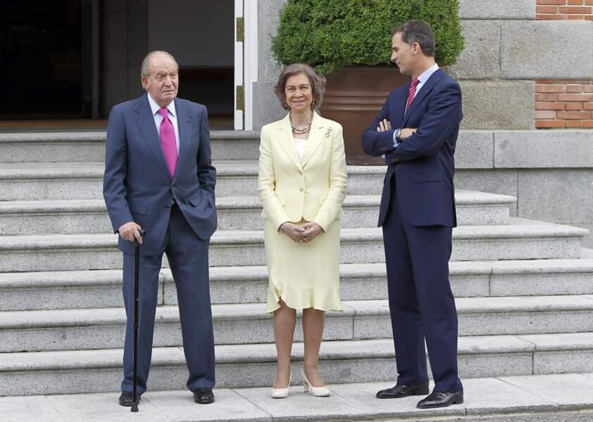 Felipe VI aux côtés de ses parents Juan Carlos Ier et la reine Sofia.