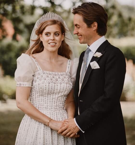 Beatrice d'York et Edoardo Mapelli Mozzi se sont unis en petit comité, le 17 juillet 2020. La cérémonie était initialement prévue le 29 mai 2020, mais a été annulée en raison de la crise sanitaire.