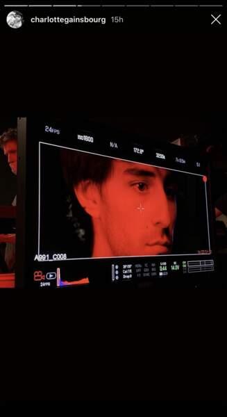 Ben Attal sur le tournage du film de son père, Yvan Attal, avec sa mère, Charlotte Gainsbourg