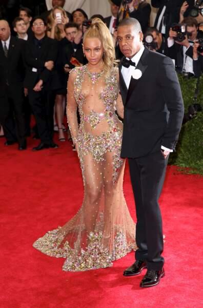 Beyoncé et Jay-Z se sont mariés dans le plus grand des secrets en 2008. La diva du R&B ne dévoilera que 3 ans après, dans le clip I was here, les images de son mariage.