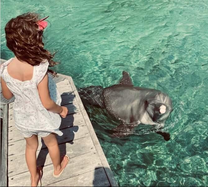 Ce 5 août, Arthur a posté un cliché rare de sa fille, Manava, au bord de l'eau, pour célébrer ses 5 ans.