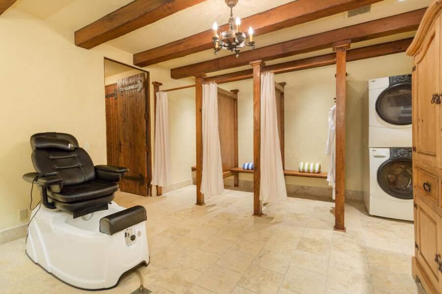 La villa de Meghan Markle et du prince Harry possède un Spa, avec sauna sec et humide séparé.