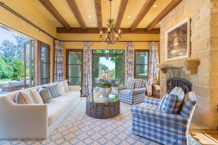Autre salon, autre ambiance pour que le couple de Sussex puisse profiter de la vue sur le jardin.