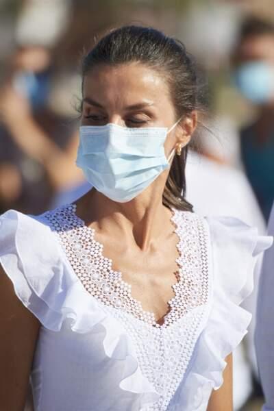 La reine Letizia, lors d'une visite à la Nécropole punique de Puig des Molins, à Ibiza le 17 août 2020.
