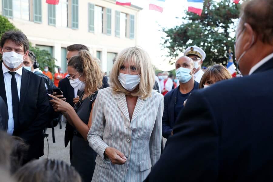 Brigitte Macron était elle aussi présente à cette cérémonie du 76ème anniversaire de la libération de la ville de Bormes-les-Mimosas