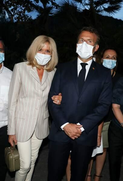 Brigitte et Emmanuel Macron sont restés à Bormes-les-Mimosas jusqu'à la nuit tombée