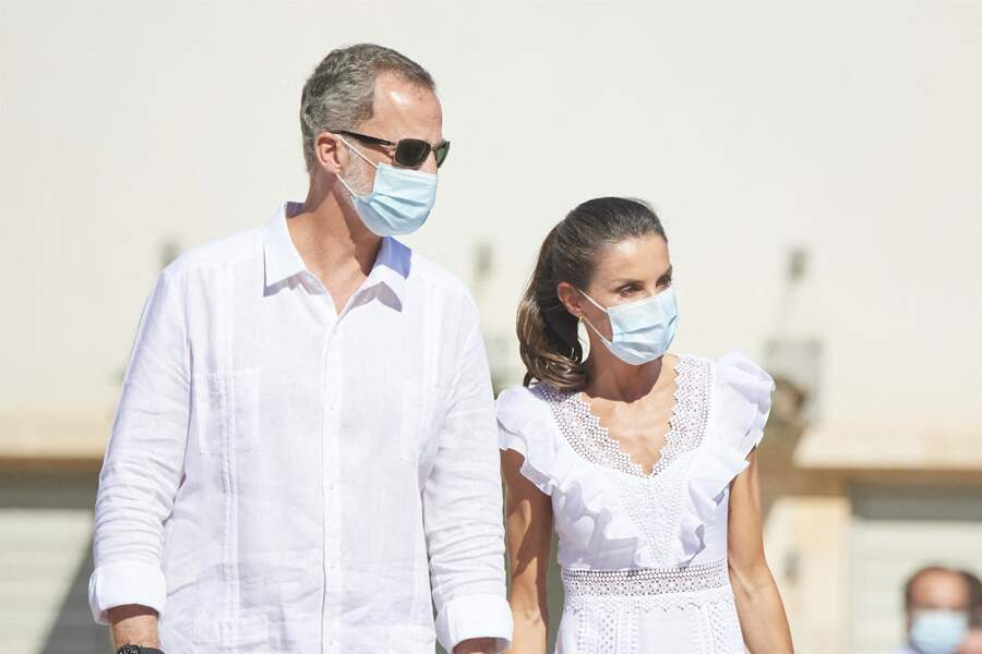 Felipe VI et Letizia d'Espagne se sont rendus à la Nécropole punique de Puig des Molins à Ibiza, le 17 août 2020.