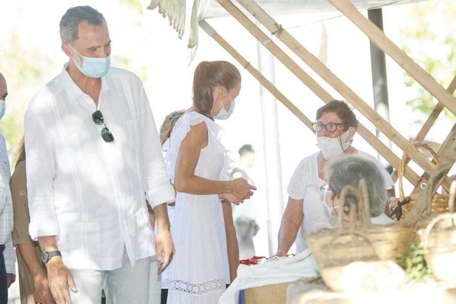 Le roi Felipe VI et la reine Letizia ont fait une apparition à la Nécropole punique de Puig des Molins à Ibiza le 17 août 2020.