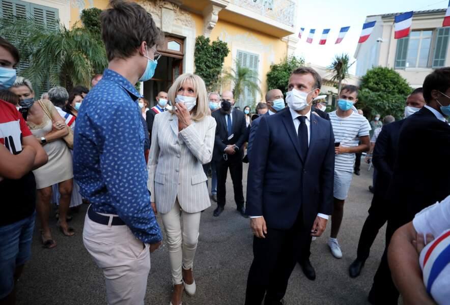 Depuis 2018, durant leurs vacances estivales, Brigitte et Emmanuel Macron ont le même rituel