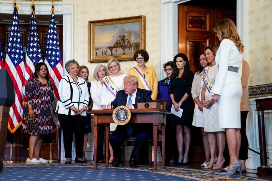 Un accessoire que Melania Trump a accompagné d'escarpins assortis