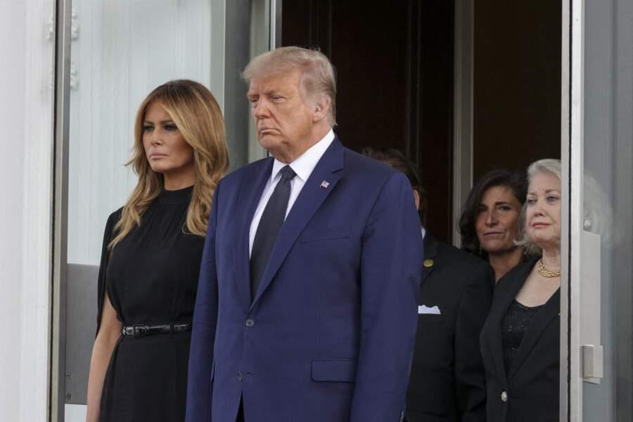 Melania et Donald Trump, le visage fermé lors des funérailles de son frère Robert le 21 août 2020