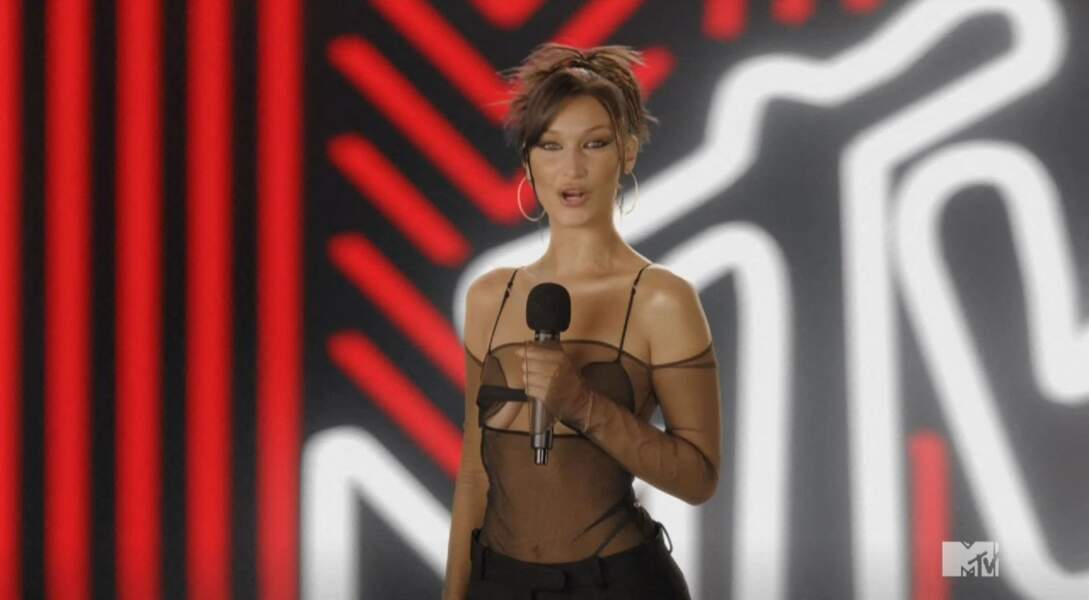 La mannequin Bella Hadid lors des MTV Vidéo Music Awards