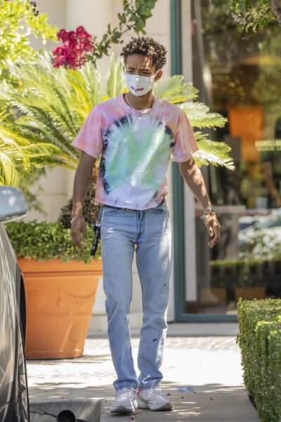 Jaden Smith en t-shirt tie and dye.