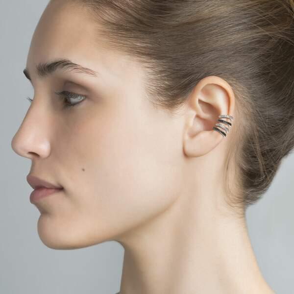Piercing créoles cartilage pierres argent, 195€, Aristocrazy.com