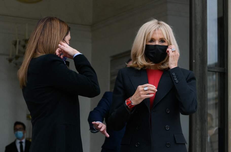 Brigitte Macron était masquée pour recevoir son homologue mexicaine, Beatriz Gutiérrez Müller, ce 8 octobre, à l'Elysée.