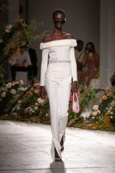 Le total look blanc repéré chez Blumarine sur le défilé printemps-été 2021
