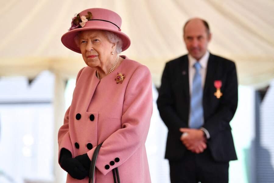 La reine Elizabeth II continue de préparer William à son rôle de futur roi