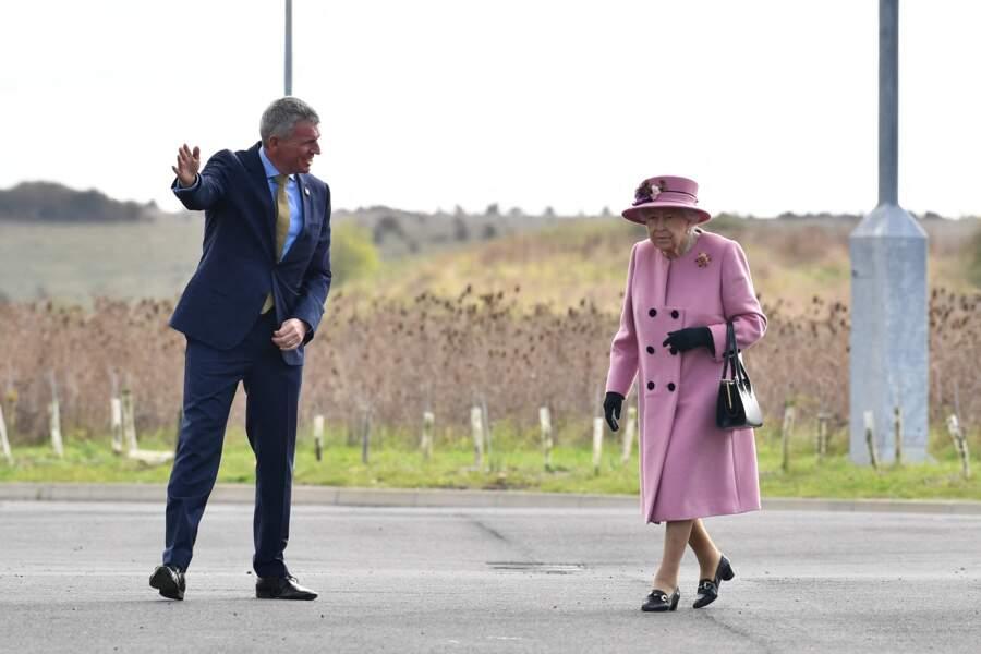 La reine Elizabeth II a visité le laboratoire des sciences et de la technologie de la défense (DSTL) à Porton Down, en compagnie du prince William