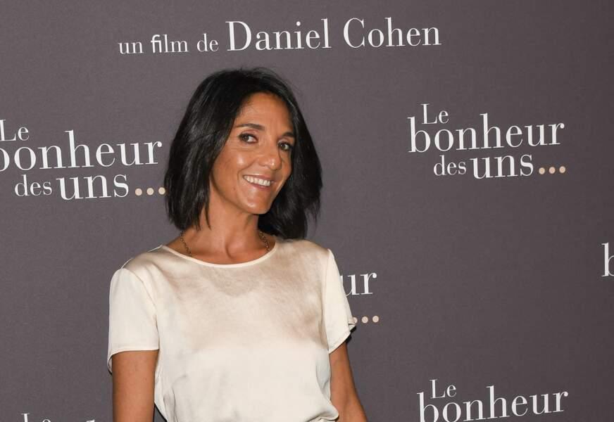 """Florence Foresti à l'avant-première du film """"Le Bonheur des uns..."""" et ce qui fait son bonheur à Florence, c'est le carré court !"""