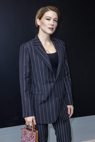 Un look maîtrisé dans le moindre détail, costume féminin-masculin et coupe boyish : avec Léa Seydoux le style fait mâle