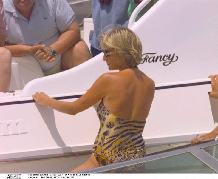 Lady Diana sur un bateau à Saint-Tropez, le 14 juillet 1997