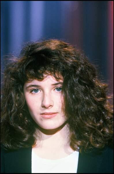 Elsa Lunghini lors d'un passage télévisé en 1987.