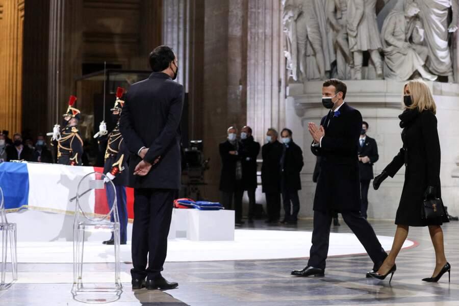 Le président de la République Emmanuel Macron, accompagné de la première dame Brigitte Macron, a présidé la cérémonie de panthéonisation de Maurice Genevoix, le 11 novembre 2020