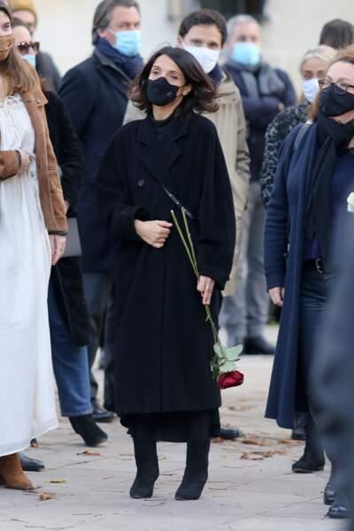 Florence Foresti a rendu un dernier hommage à Cyril Colbeau-Justin, lors de la cérémonie d'obsèques à la basilique Sainte-Clotilde à Paris, le 12 novembre 2020.