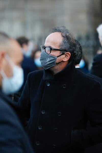 L'acteur Lionel Abelanski s'est rendu à la basilique Sainte-Clotilde, ce jeudi 12 novembre, pour les obsèques de Cyril Colbeau-Justin