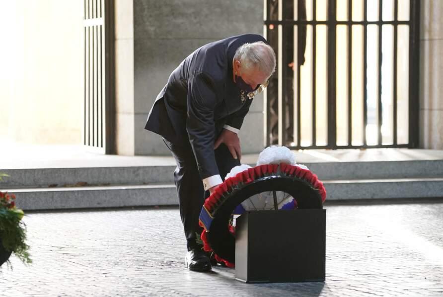 Le prince Charles a présenté ses hommages...