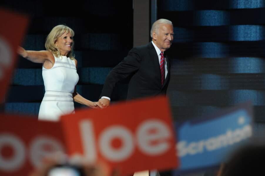 Jill et Joe Biden, main dans la main, à la convention nationale du Parti démocrate à Philadelphie en 2016.