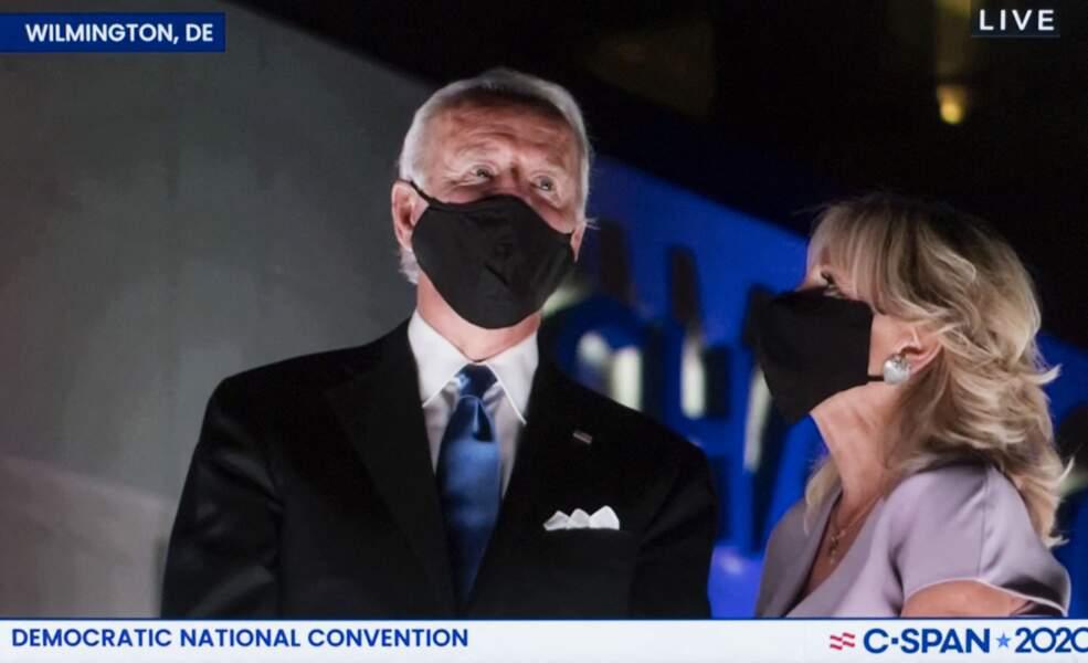 Lors des discours de Joe Biden, sa femme Jill n'est jamais loin.