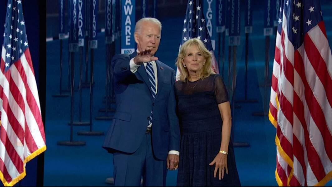 Pendant toute la campagne, Jill Biden a soutenu son mari, mettant son métier d'enseignante entre parenthèses.