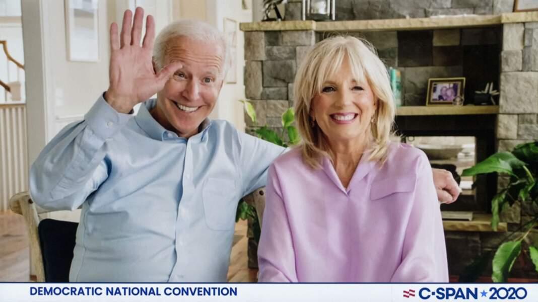 Inséparables, Jill et Joe Biden s'affichent toujours très souriants et  complices.