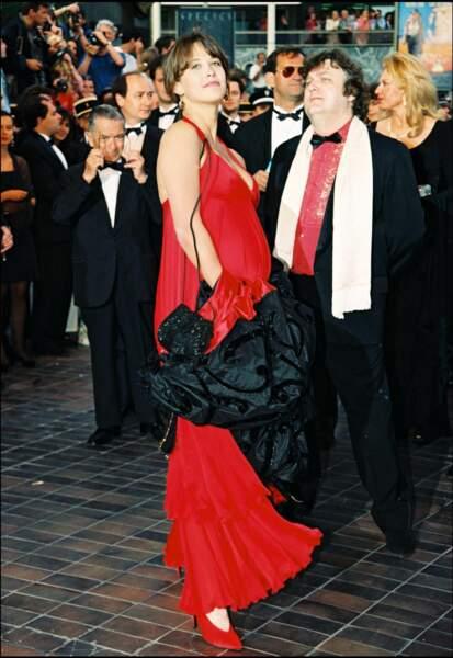 Sophie Marceau, enceinte et resplendissante, à Cannes en 1995