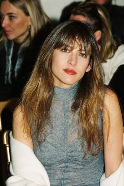 Icône mode, Sophie Marceau est de tous les front rows (ici au défilé People Ungaro collection Haute couture Printemps-été 2000)