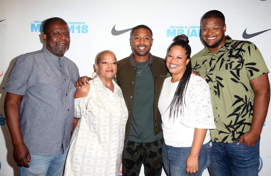 Michael B.Jordan entouré de ses parents, son frère et sa sœur lors de la soirée MBJAM18 à Hollywood, le 28 juillet 2018