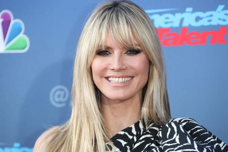 Heidi Klum gagne 10 ans avec sa frange façon Bardot.