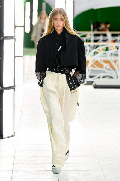 Les maxi longueurs seventie's aussi repérées chez Louis Vuitton.