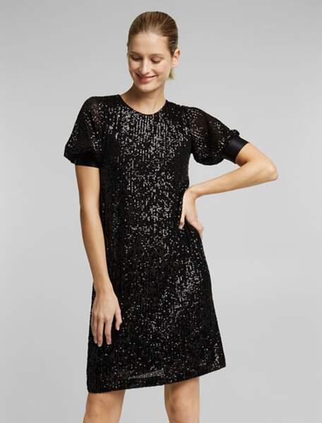 Robe noire à paillettes, 89,99 €, Esprit.