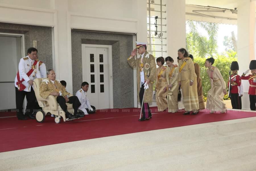 Le roi Bhumibol de Thaïlande a nommé Maha Vajiralongkorn, son seul fils, héritier au trône avant sa mort.