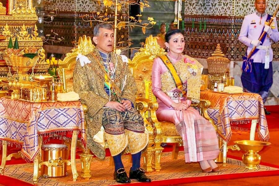 Le roi de Thaïlande et sa femme la reine Suthida.