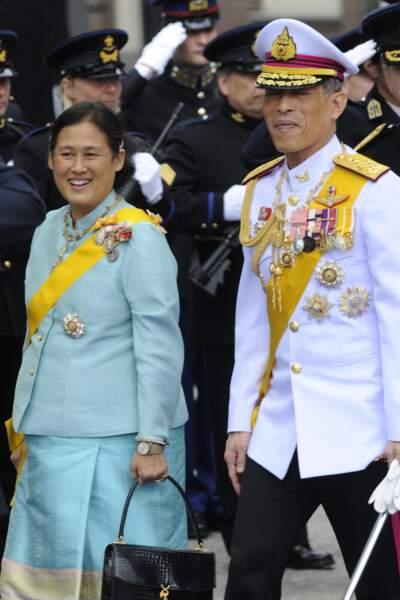 La princesse Maha Chakri Sirindhorn et le roi Rama X.